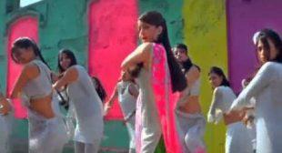 Chan Ke Mohalla Sara Dekh Liya Lyrics In Hindi and English – Action Replayy