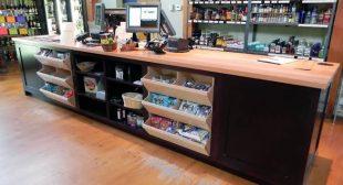 Retail Cash Wrap Counter